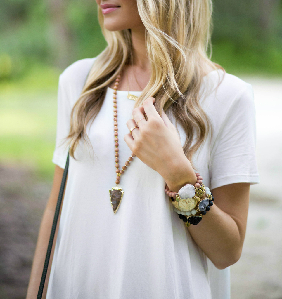 Chic Wish White Tee J Brand Jeans Tory Burch Sandals