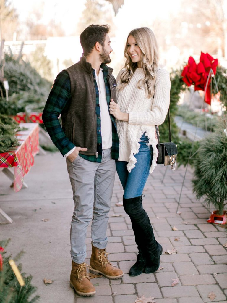 Neutral holiday mens look