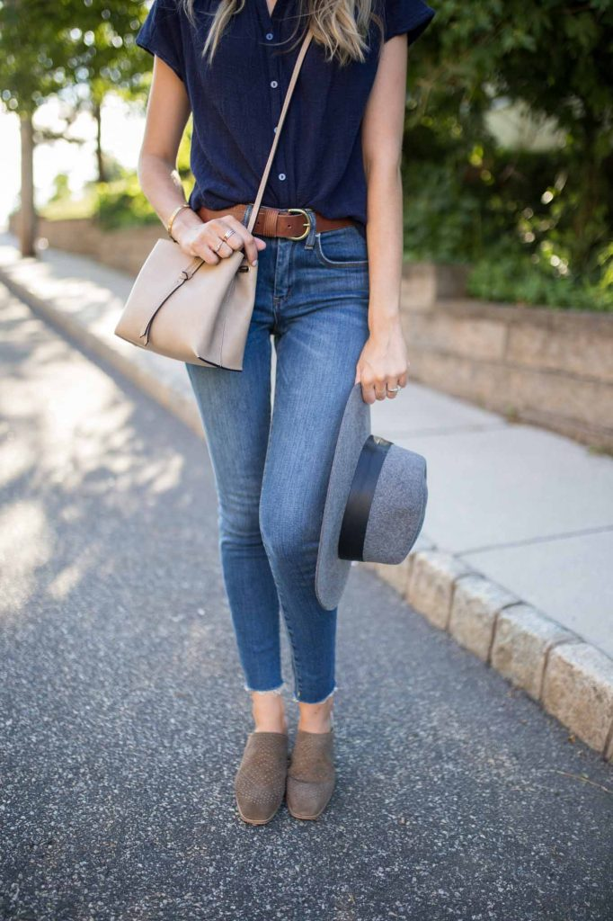 Grey hat with denim and booties