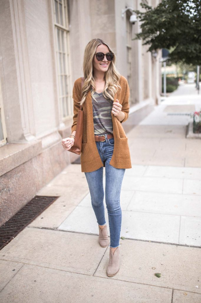 Distressed hem denim casual look