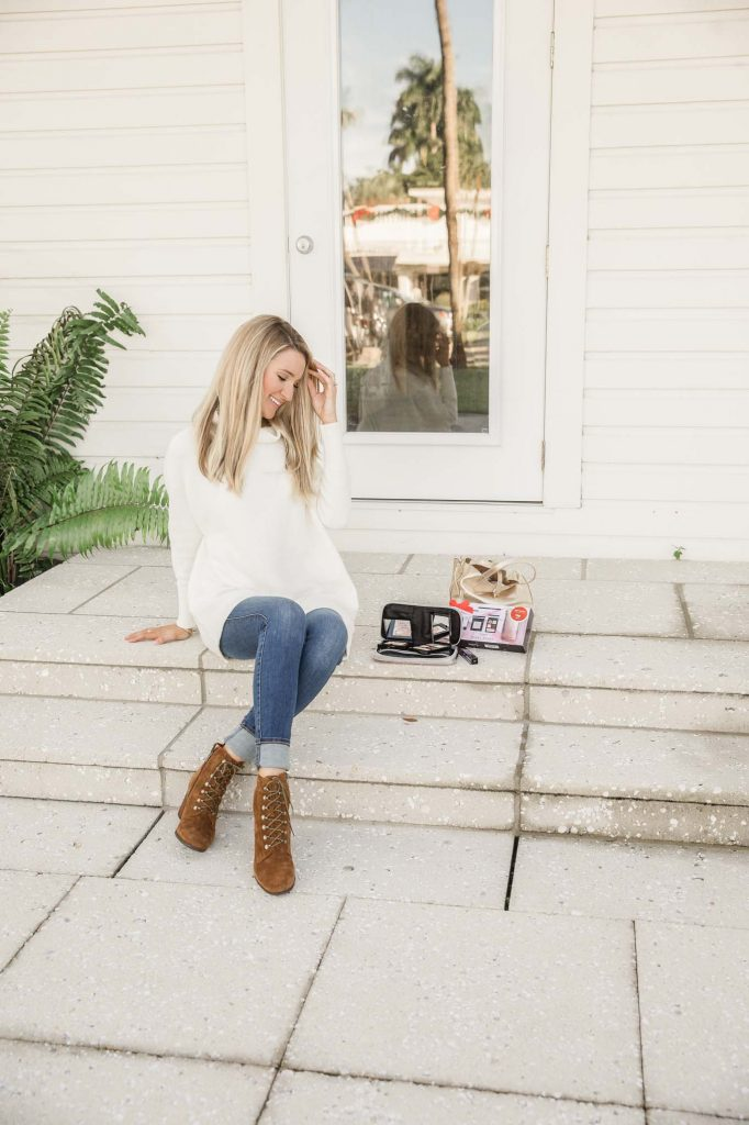 Oversized White sweater with denim and boots